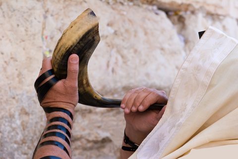 mikhail-levit-dreamstime-com-a-hrefhttpswww-dreamstime-comstock-photography-blowing-shofar-image3008532res8032597blowing-in-shofar-a